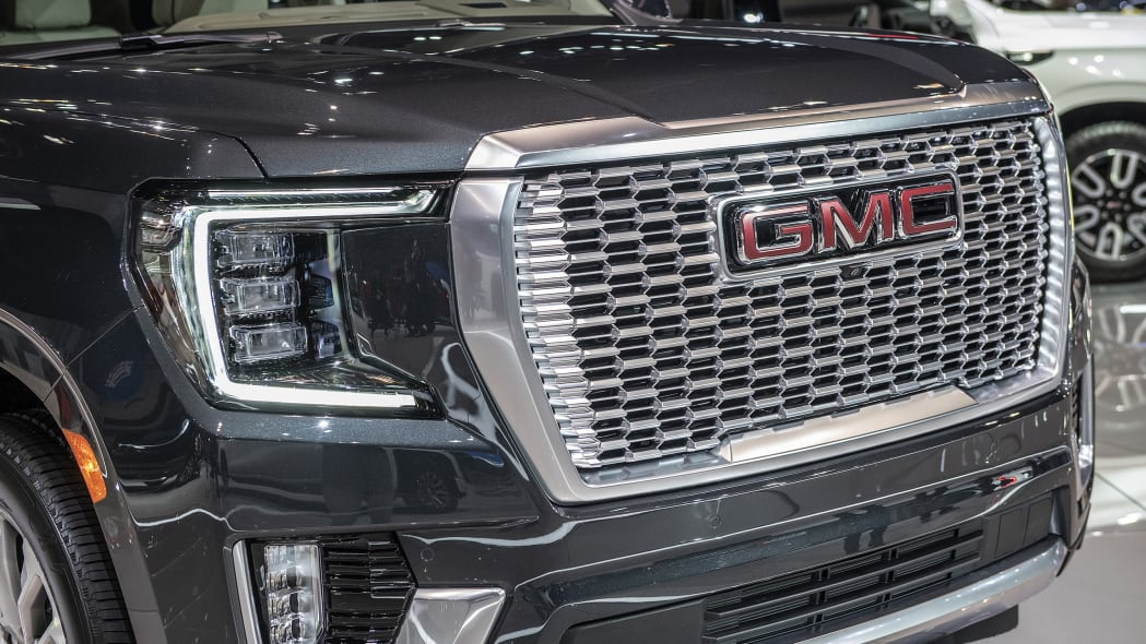 2021-gmc-yukon-chicago-08