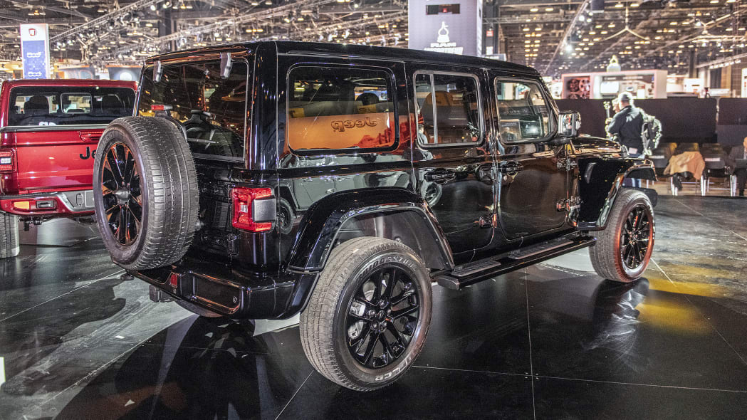 2020-jeep-wrangler-high-altitude-chicago-04