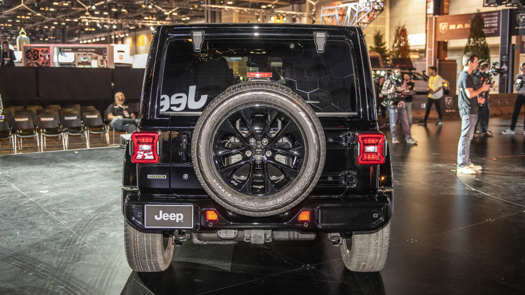 2020-jeep-wrangler-high-altitude-chicago-05