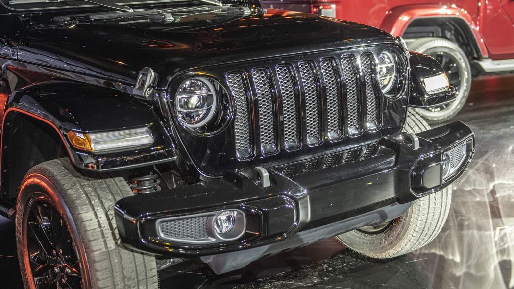 2020-jeep-wrangler-high-altitude-chicago-06