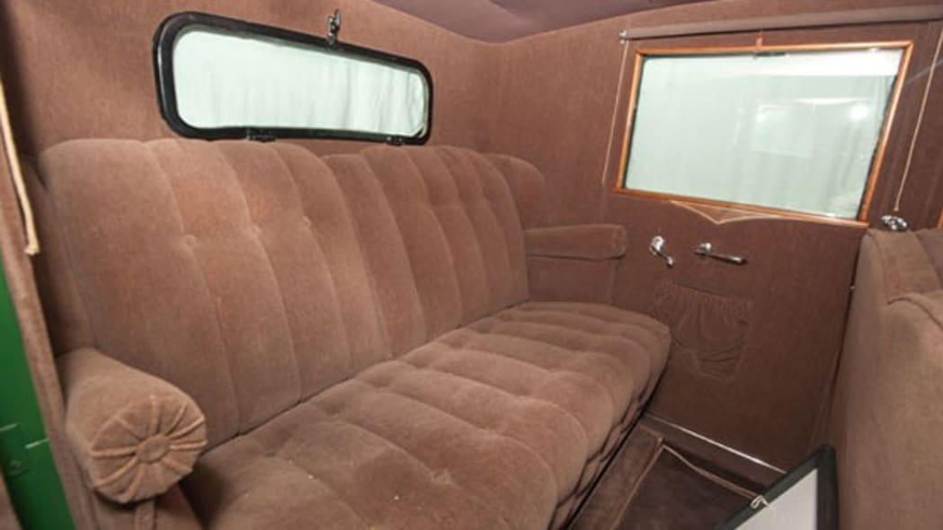1928-cadillac-v8-town-sedan-al-capone-010