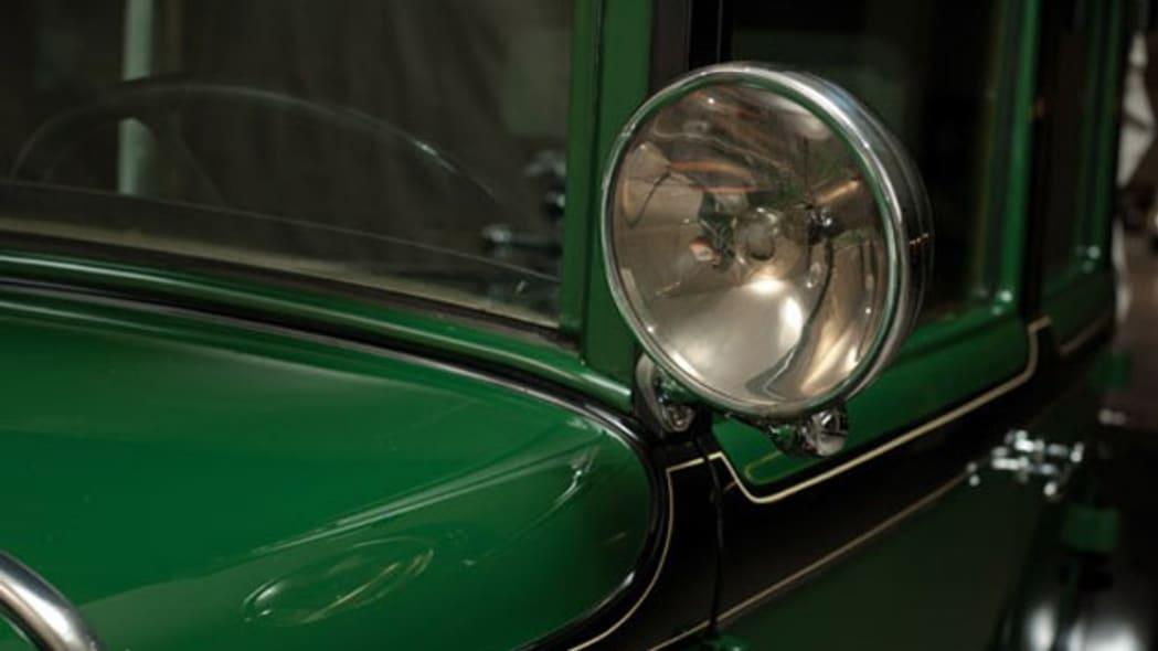 1928-cadillac-v8-town-sedan-al-capone-022