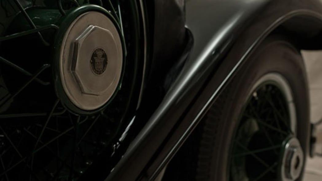 1928-cadillac-v8-town-sedan-al-capone-024