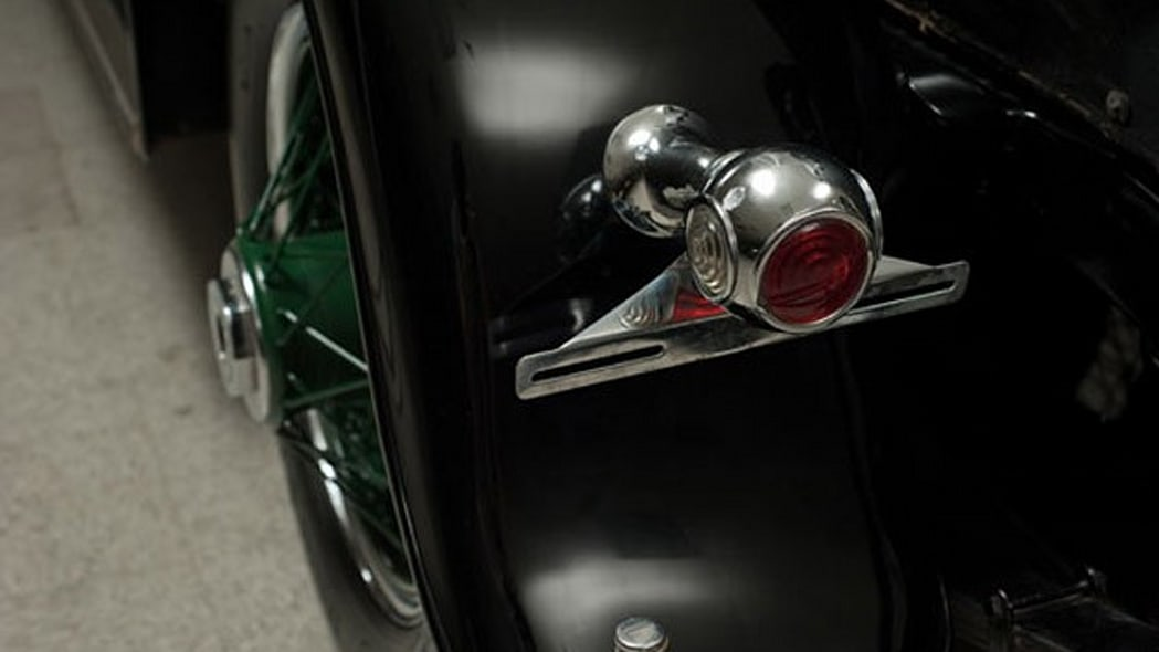 1928-cadillac-v8-town-sedan-al-capone-026
