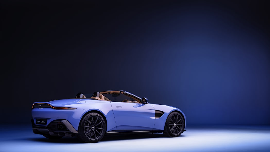 2020_aston_martin_vantage_roadster_004