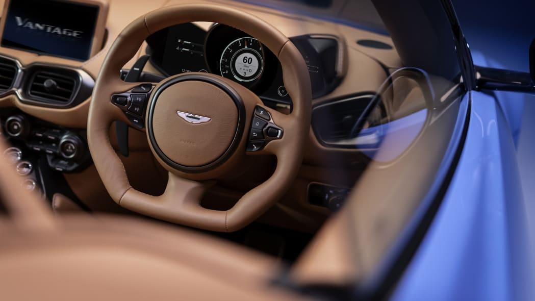 2020_aston_martin_vantage_roadster_013