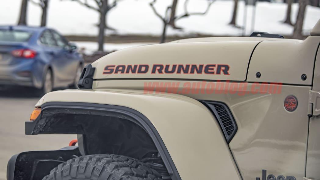 Gladiator Sand Runner / Glenn Paulina