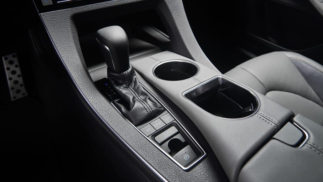 Toyota_Avalon_Interior_012