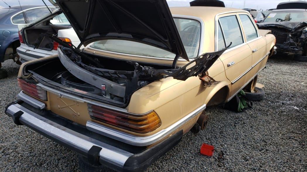 40 - 1974 Mercedes-Benz 450SEL W116 in California junkyard - photo by Murilee Martin