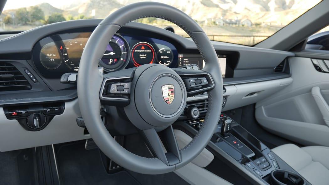 2020-porsche-911-4s-cabriolet-stwheel