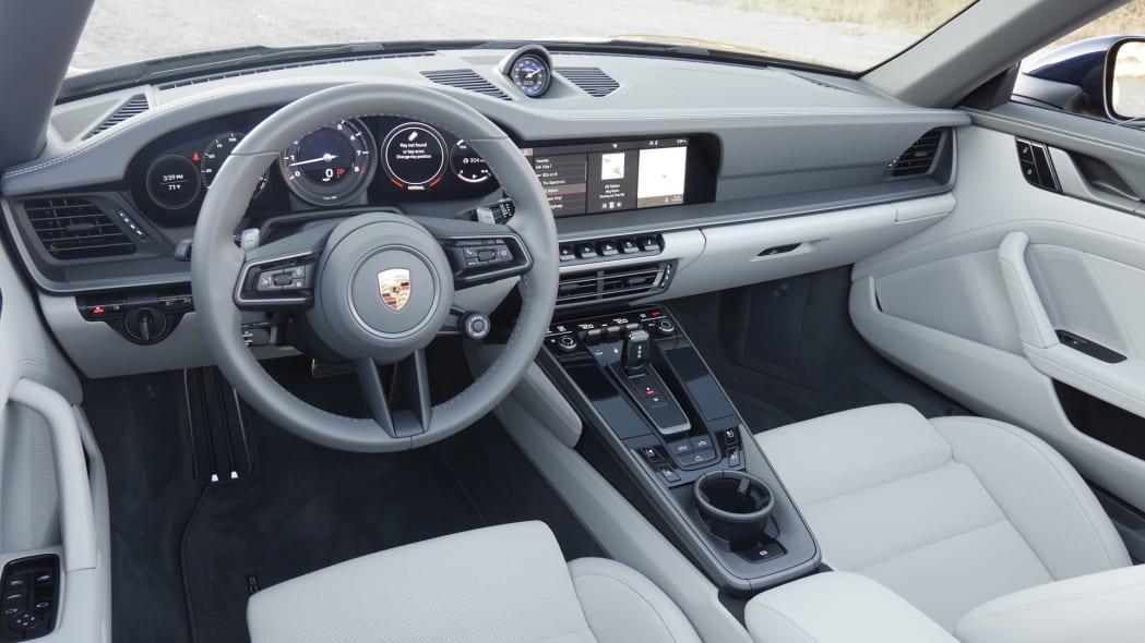 2020-porsche-911-4s-cabriolet-dash-1