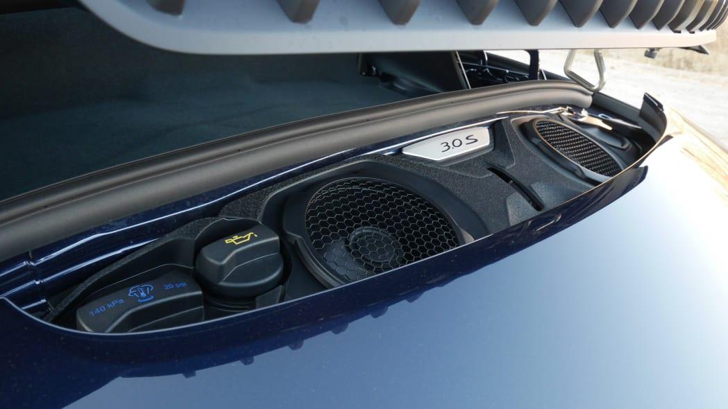 2020-porsche-911-4s-cabriolet-eng-2