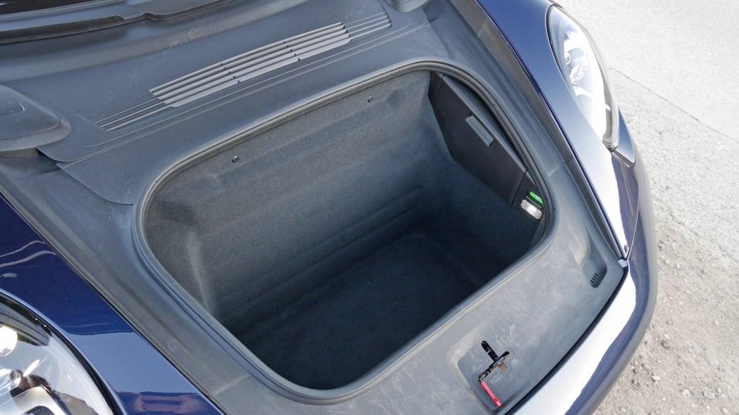 2020-porsche-911-4s-cabriolet-frunk