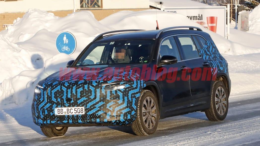 Mercedes-Benz EQA and EQB spy photos
