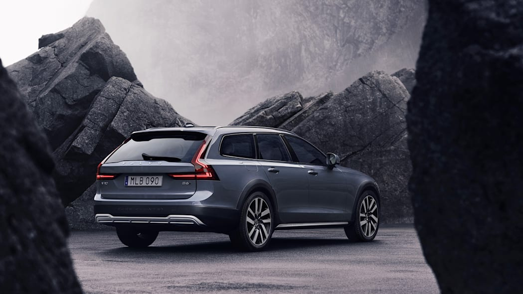 The refreshed Volvo V90 Cross Country Recharge T8 plug-in hybrid