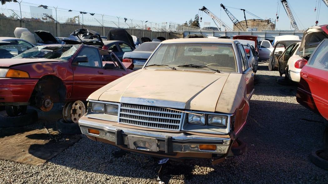 01 - 1984 Ford LTD in California junkyard - photo by Murilee Martin