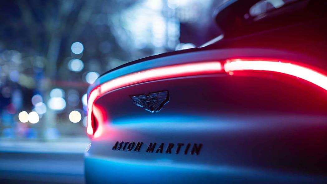 aston_martin_dbx_q_by_aston_martin_003