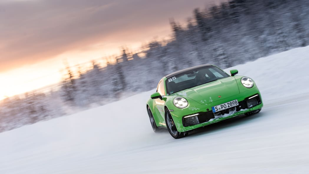 2020_Porsche_911_Carrera_4S (16)