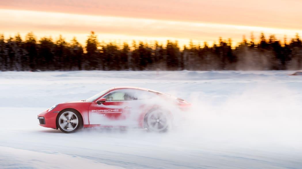 2020_Porsche_911_Carrera_4S (26)