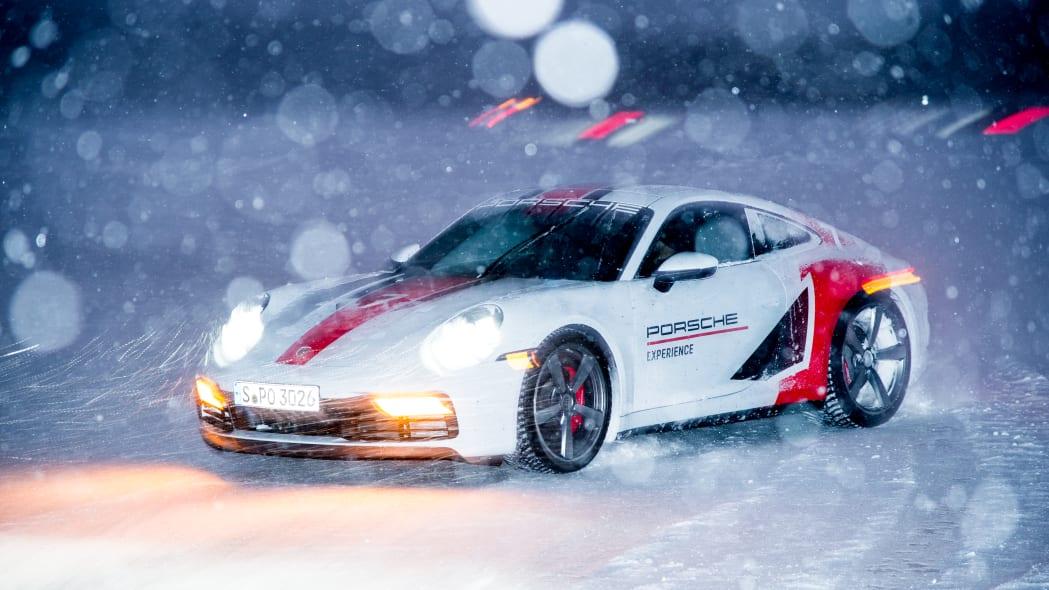 2020_Porsche_911_Carrera_4S (122)