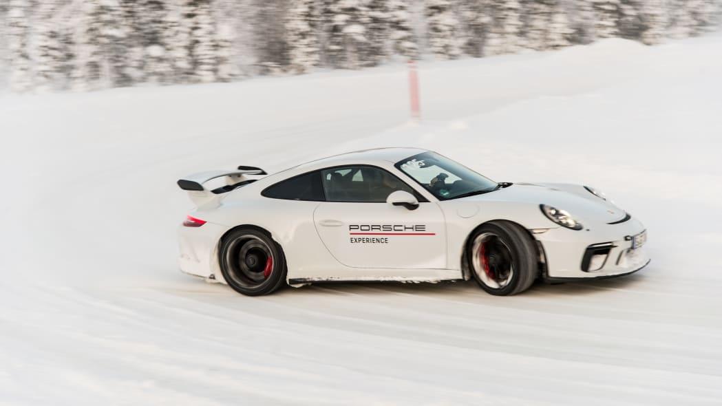 2019_Porsche_911_GT3 (13)