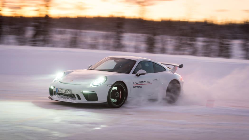 2019_Porsche_911_GT3 (33)