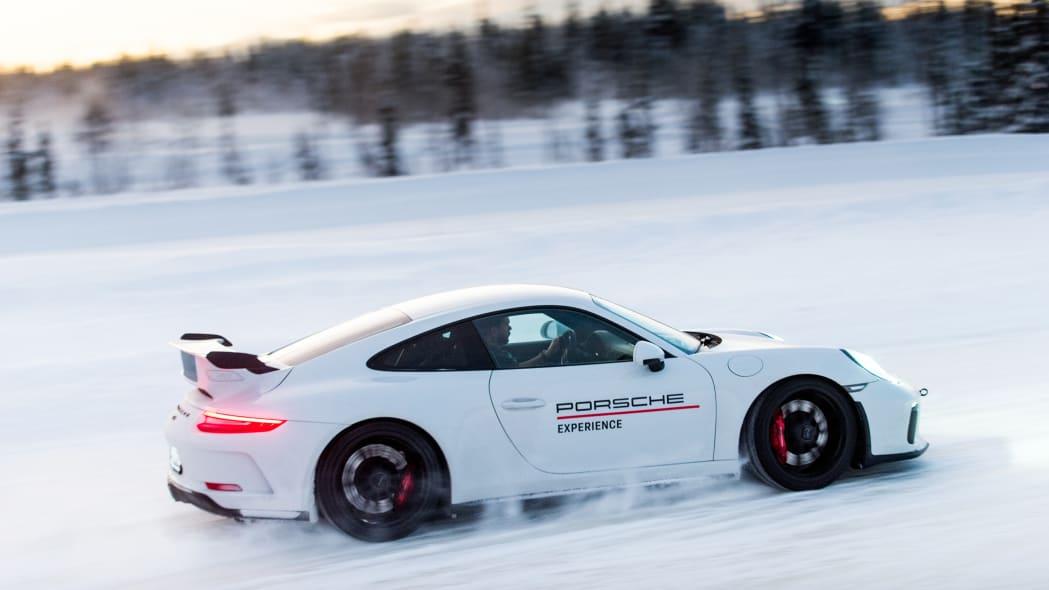 2019_Porsche_911_GT3 (39)