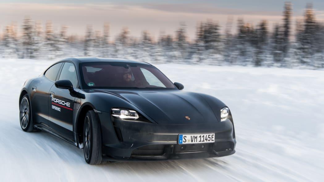2020_Porsche_Taycan_Turbo_S (21)