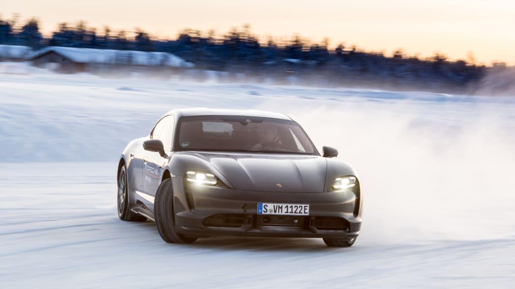 2020_Porsche_Taycan_Turbo_S (31)