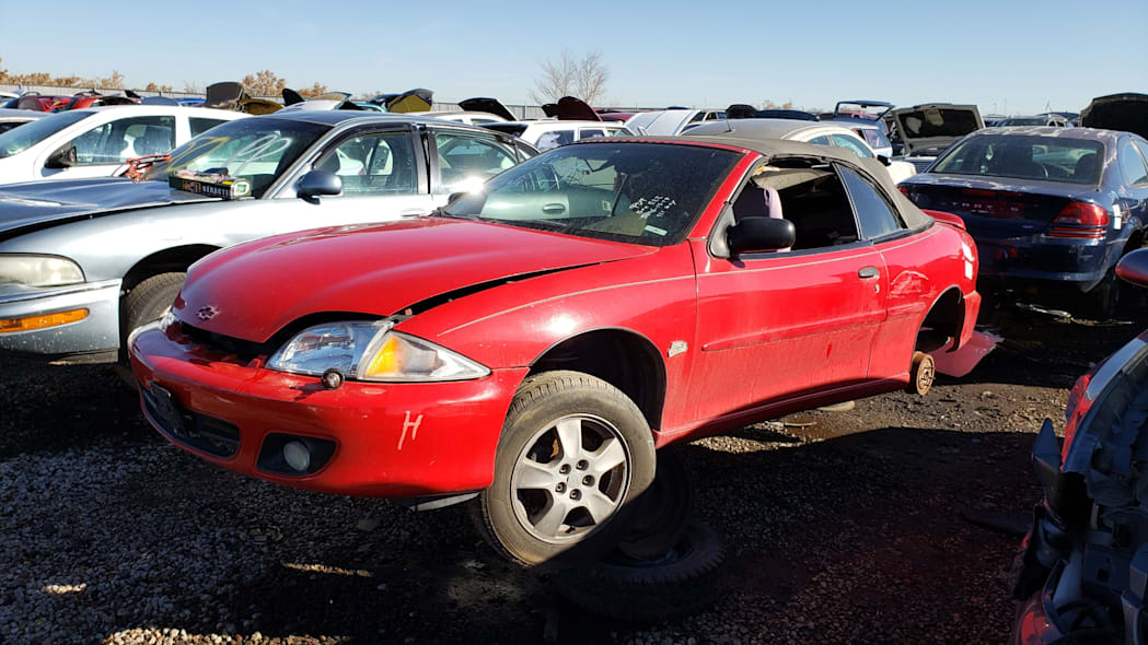 00 - 2000 Chevrolet Cavalier Z24 convertible in Colorado junkyard - photo by Murilee Martin