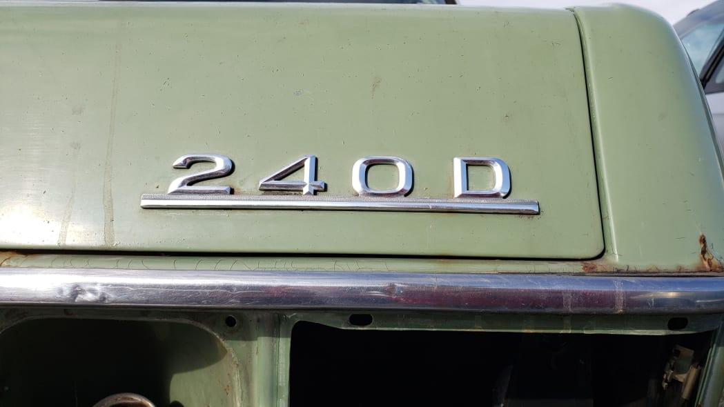 39 - 1975 Mercedes-Benz 240D in California Junkyard - photo by Murilee Martin
