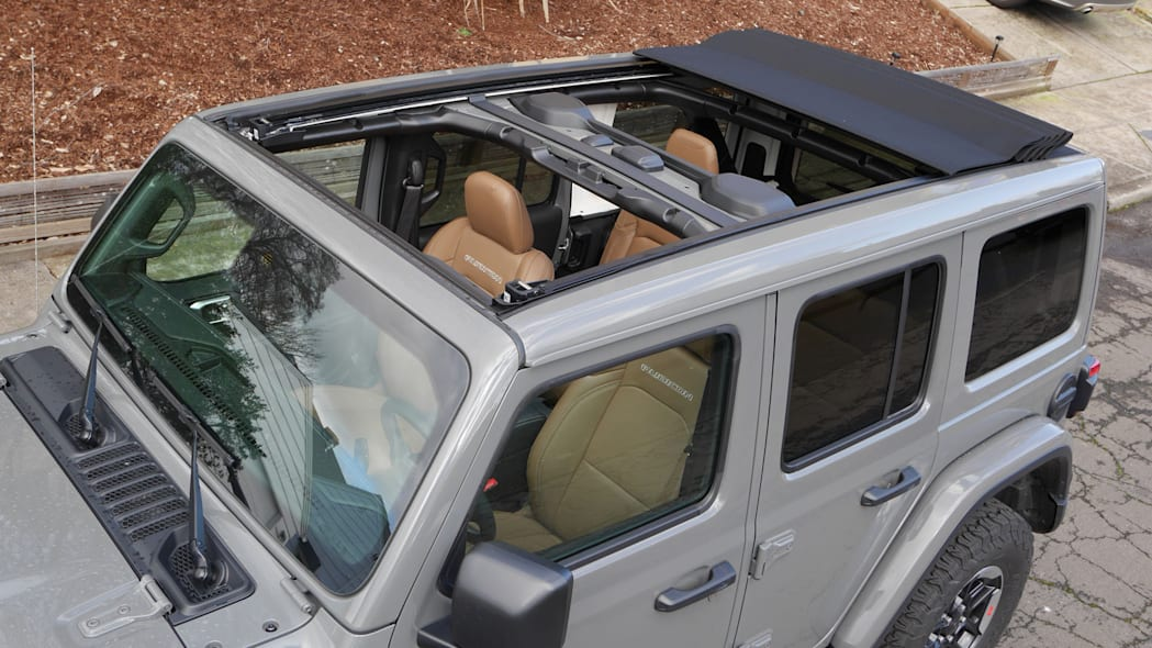 2020 Jeep Wrangler Sky One-Touch Power Top