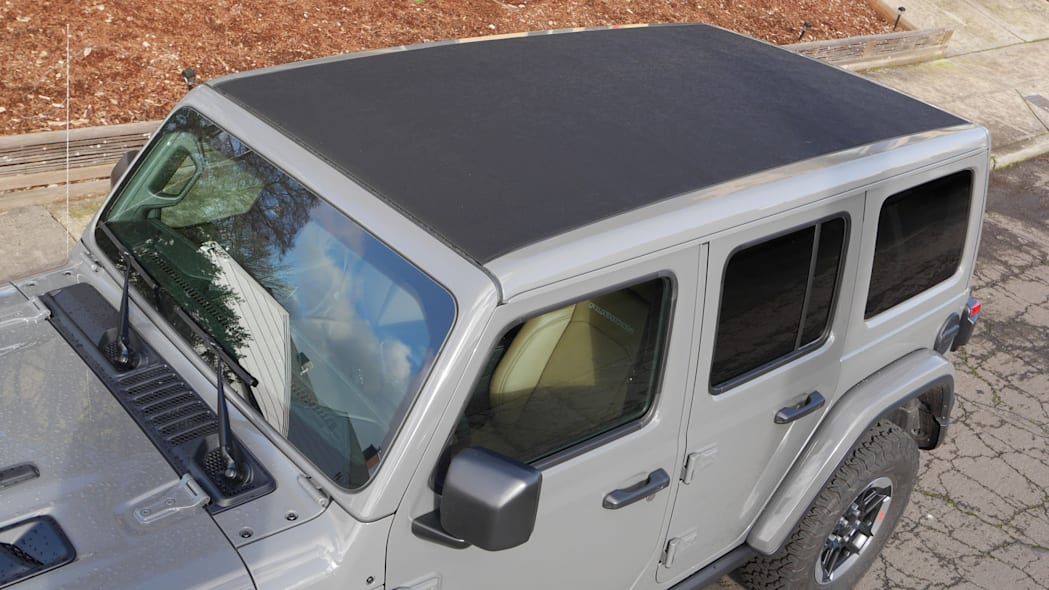 2020 Jeep Wrangler Sky One-Touch Power Top 4