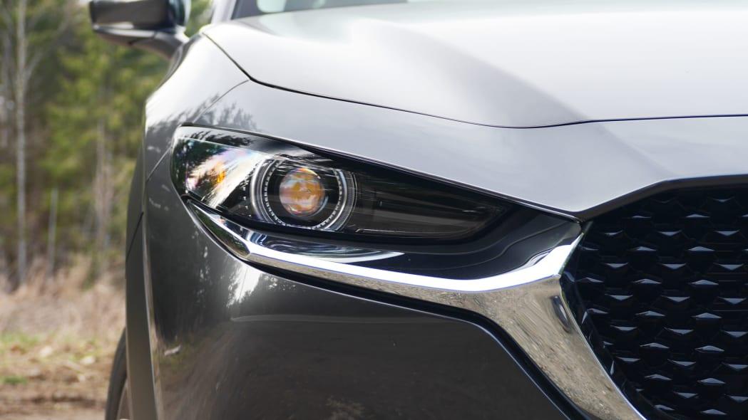2020 Mazda CX-30 light