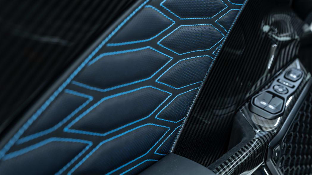 Zenvo TSR-S Carbon Fiber 12