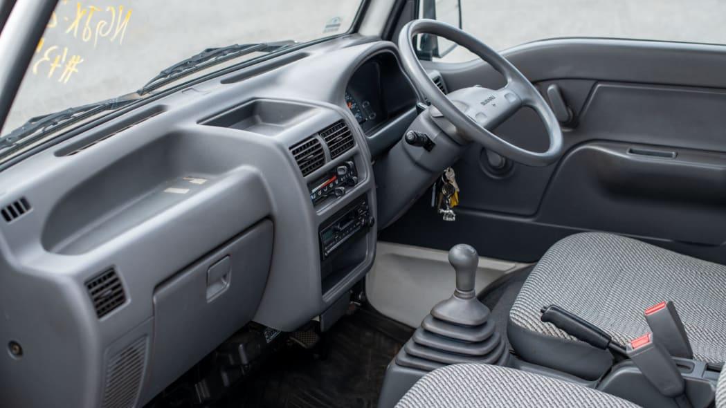 1993 Subaru Sambar Dias interior 2
