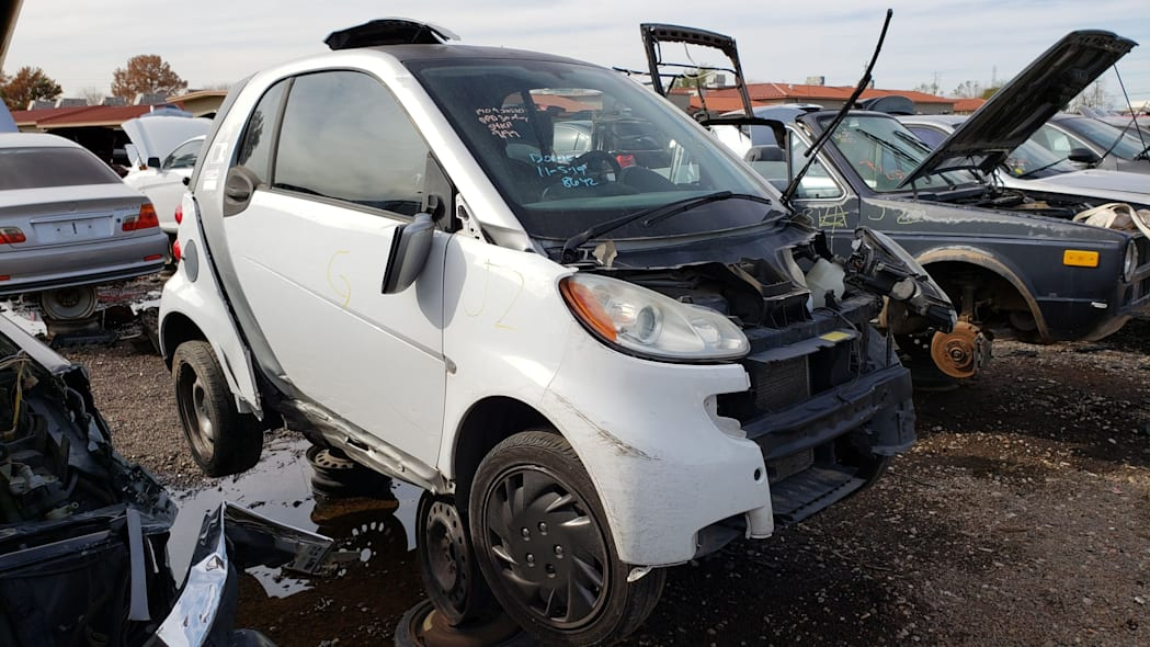00 - 2009 Smart ForTwo in Arizona Junkyard - photo by Murilee Martin