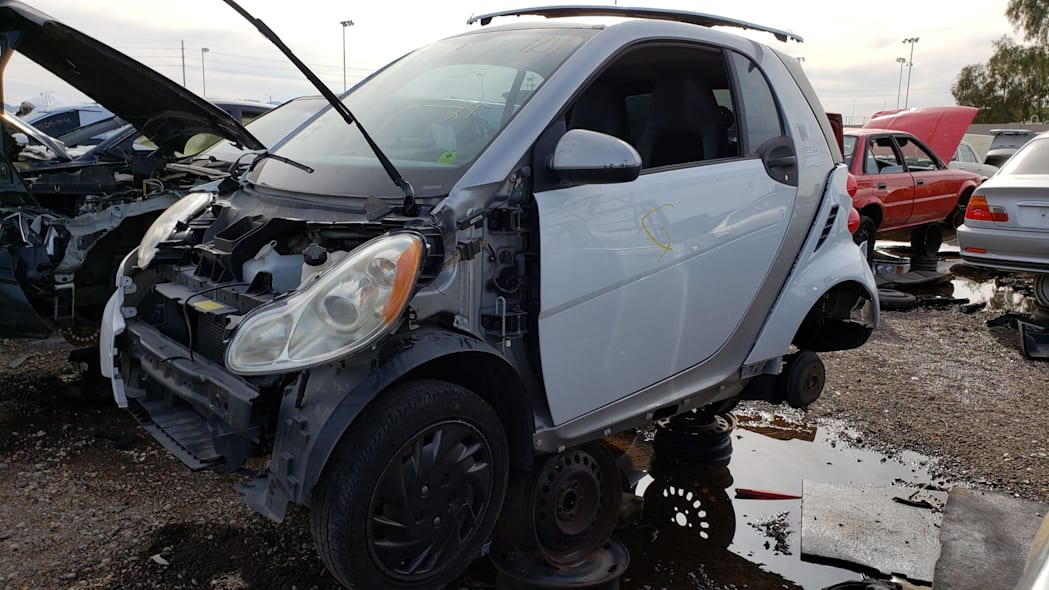 14 - 2009 Smart ForTwo in Arizona Junkyard - photo by Murilee Martin