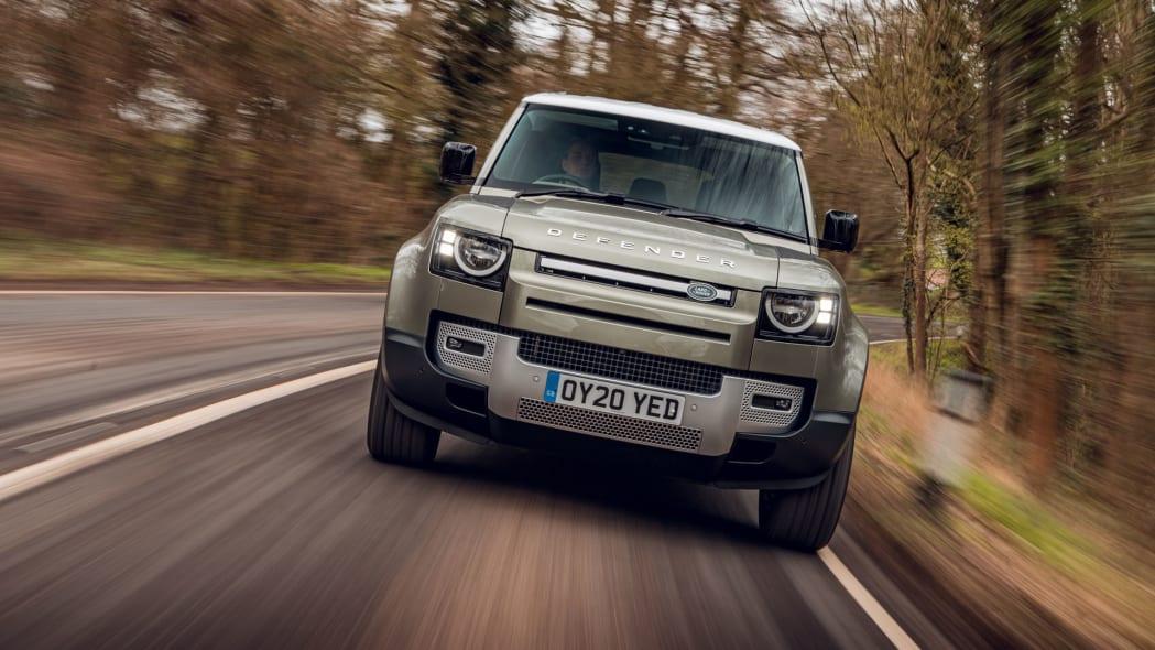 2020 Land Rover Defender 110 on road 5