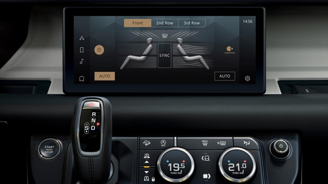 2020 Land Rover Defender 110 interior screen 1