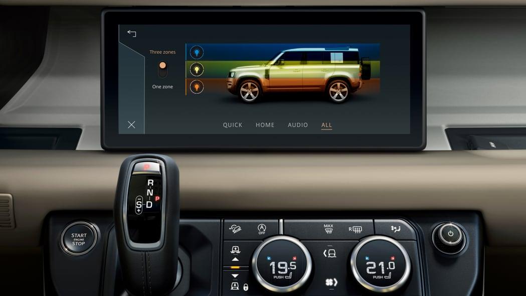 2020 Land Rover Defender 110 interior screen 3