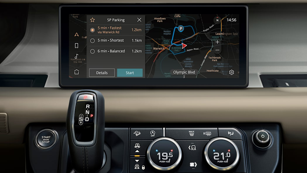 2020 Land Rover Defender 110 interior screen 4