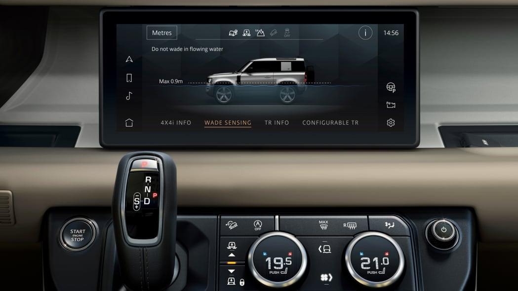 2020 Land Rover Defender 110 interior screen 6