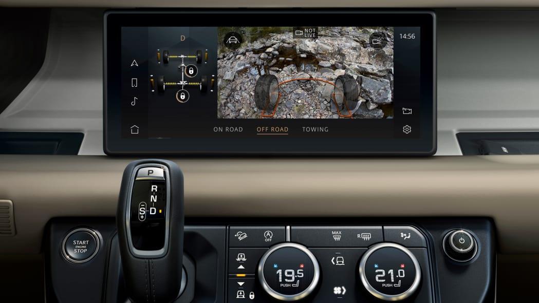 2020 Land Rover Defender 110 interior screen 7