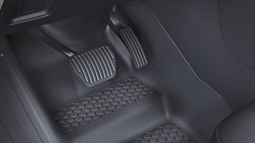 2020 Land Rover Defender 110 rubber floor