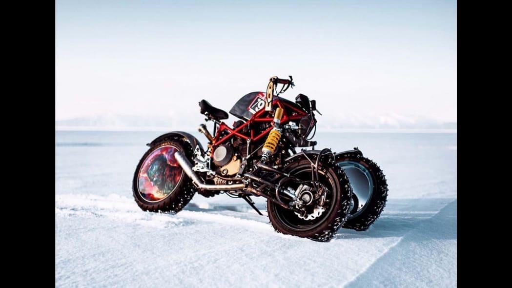 Balamutti three-wheeled ice racer