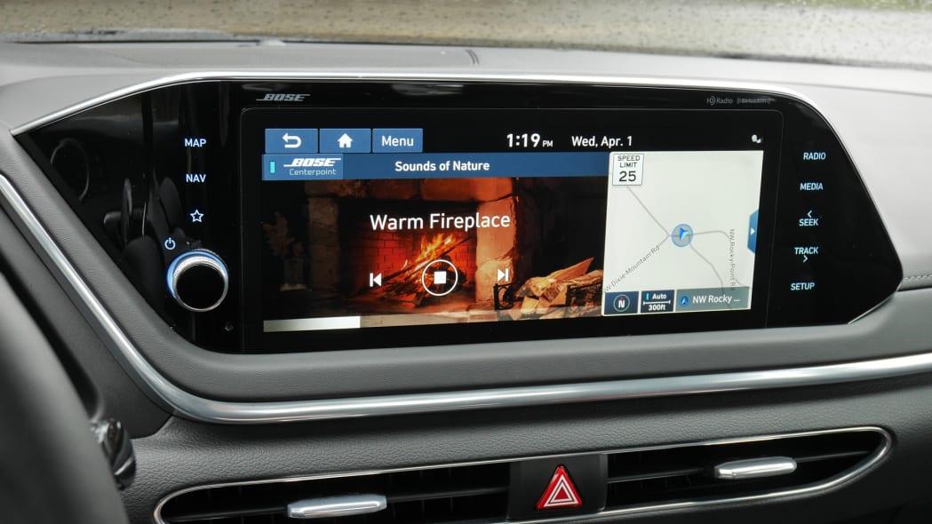 2020 Hyundai Sonata touchscreen 01