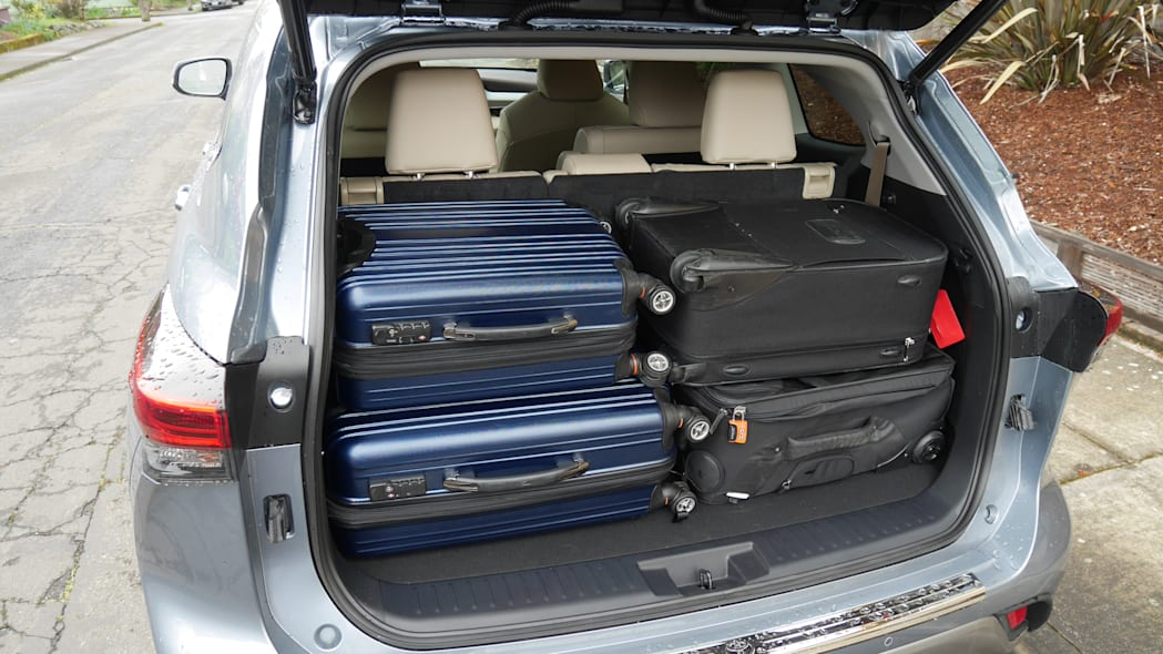 2020 Toyota Highlander third row upright bags 3