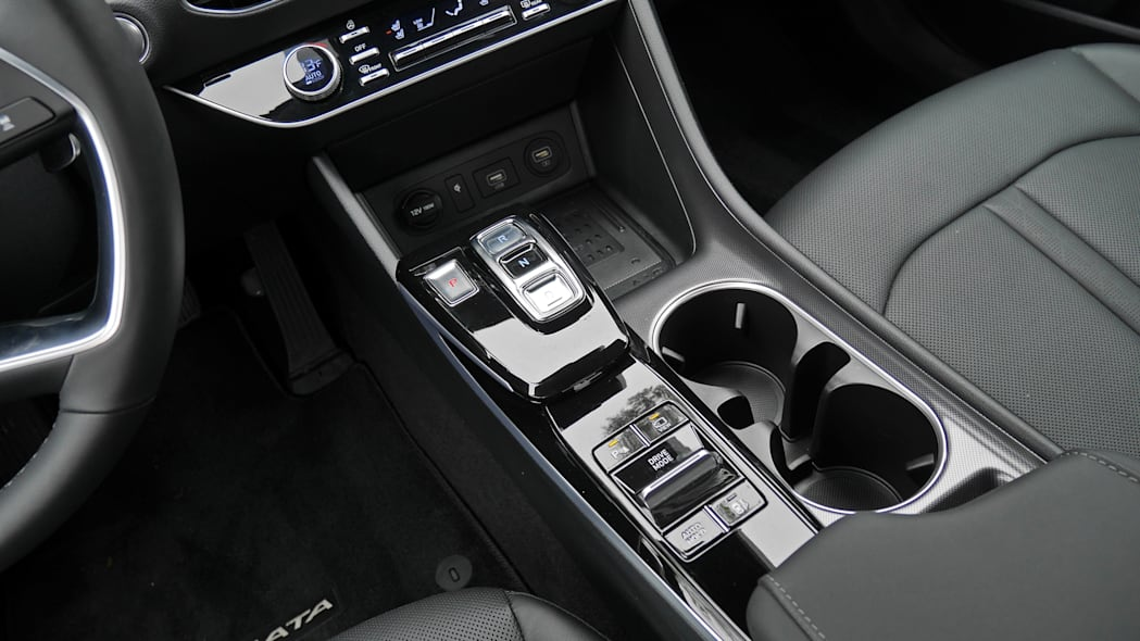 2020 Hyundai Sonata Limited center console