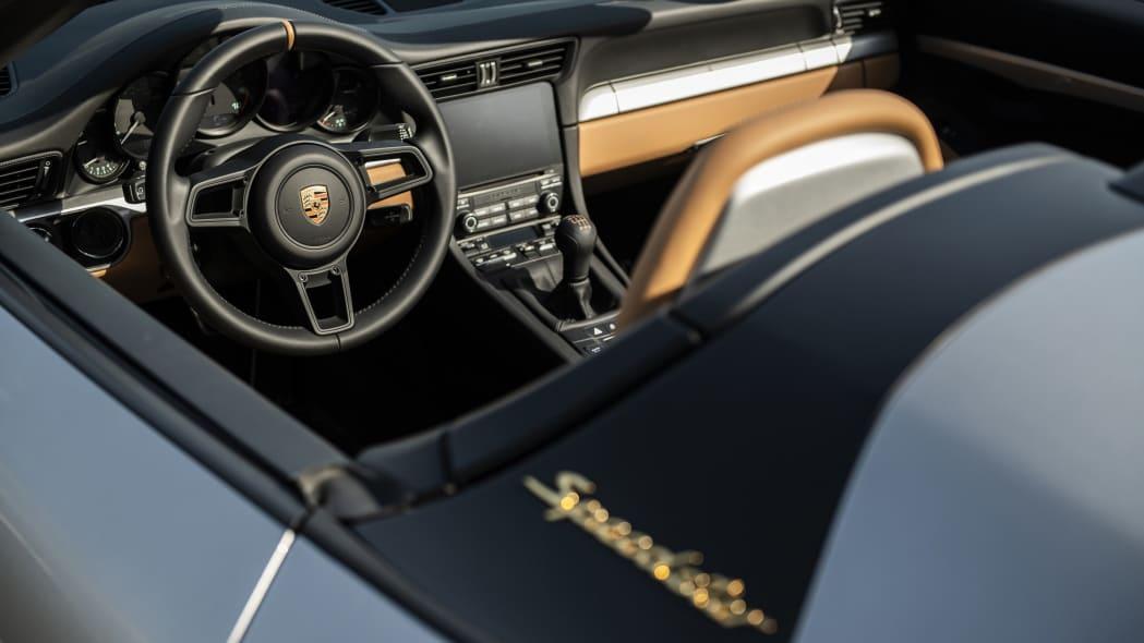 Porsche-911-Speedster--interior